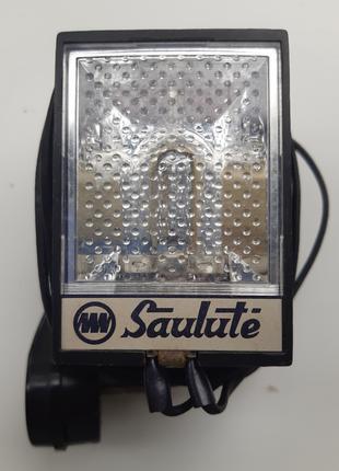 Фотовспышка Saulute, зарядка от 220В. СССР 1970-е года.