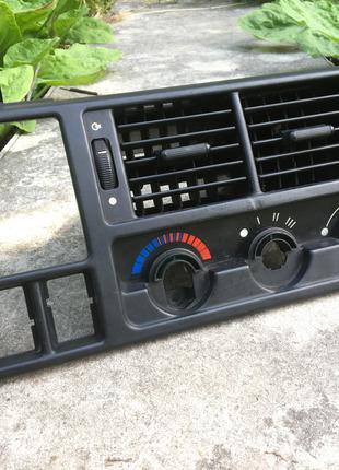 Накладка панели Форд Скорпио (Ford Scorpio) 92GGA014L35A