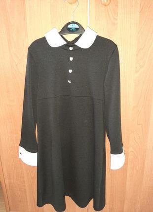 Школьное платье с отложным воротничком альберо