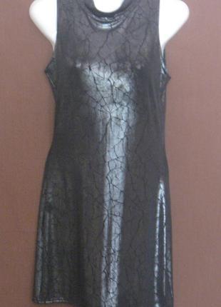 Платье чёрное мини под горло, на девушку. Шикарное. Дешево