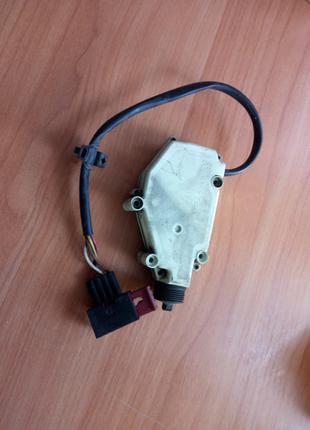 Машинка привода центрального замка Рено Премиум DCI 420 400 385