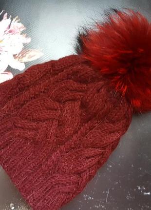 Зимняя шапка с натуральным помпоном енота