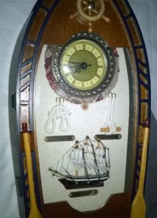 "Ключница ручная работа настенная, деревянная с часами - "" Лодка """