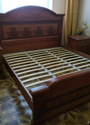 Продам комплект ( ліжко, матрац, дві тубми і шафу )