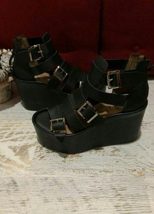 Мега крутые босоножки летние туфли ботинки