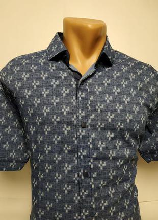 Стильные приталенные рубашки, отлично ложатся по фигуре в ассорти