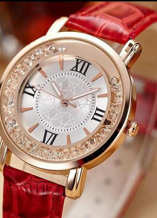 Стильные женские наручные часы