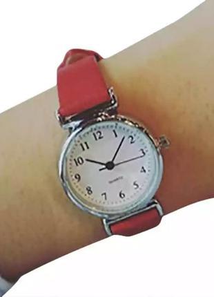 Классические наручные женские часы