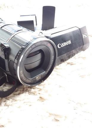 Видеокамера Canon Legria HF S200 + 2 акум + Transcend 16 гб + ...