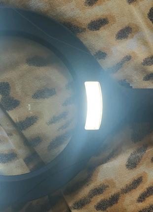 Лупа с подсветкой на двух пальчиковых батарейках