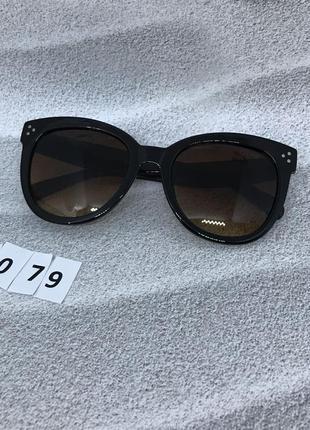 Солнцезащитные очки  с коричневыми линзами  к. 2079