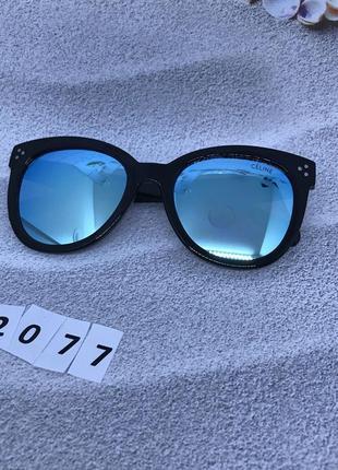 Солнцезащитные очки с голубыми линзами  к. 2077