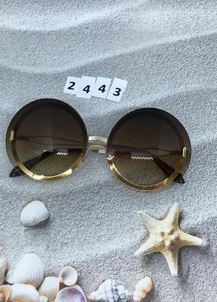 Круглые коричневые солнцезащитные очки  к. 2443