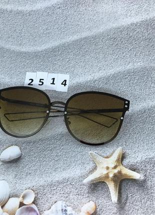 Солнцезащитные очки с коричневой линзой  к. 2514