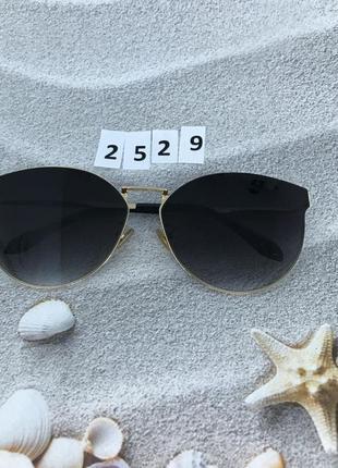 Модные черные очки в золотой оправе  к. 2529
