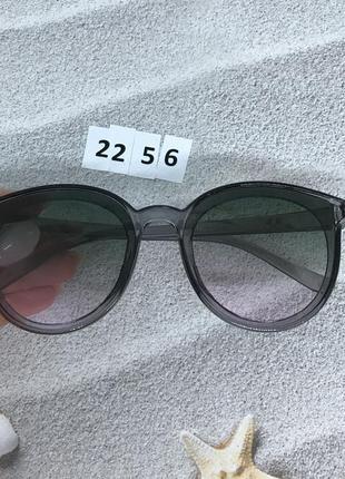 Солнцезащитные очки серые  к. 2256