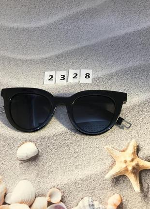 Солнцезащитные очки с черными линзами  к. 2328