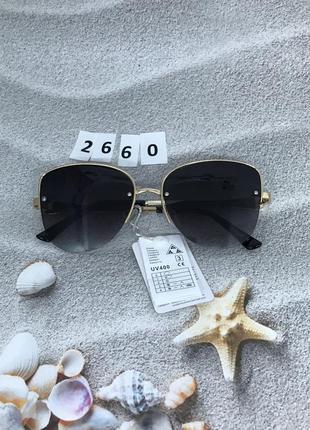 Модные черные очки в золотой оправе к. 2660