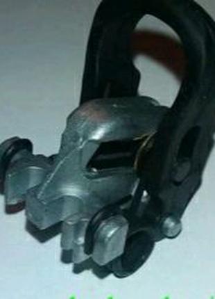 Пилкодержатель для лобзика Black&Decker KS2005EK оригинал 582593-