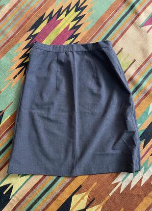 Шерстяная классическая юбка серого цвета