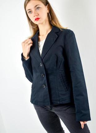 Moschino jeans черный блейзер с карманами и декорированными ск...