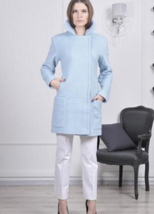 Шерстяное теплое пальто от андре тана