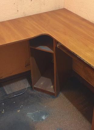 Стол для компьютера угловой