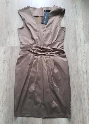 Красивое платье rinascimento