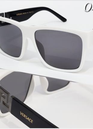 Стильные солнцезащитные женские очки