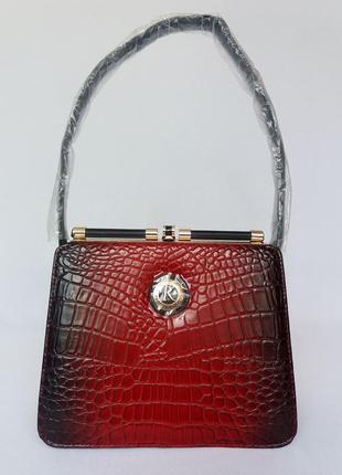 Farfalla rosso. фирменная сумка ридикюль. новая