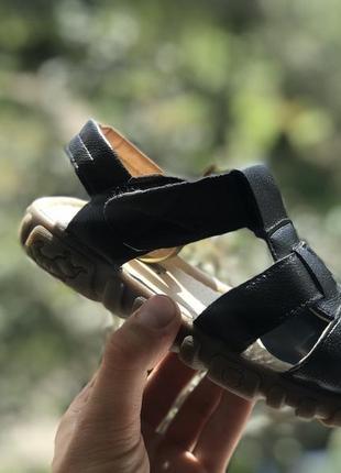 Детские закрытые босоножки сандали