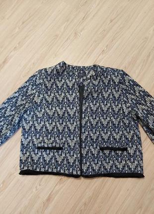 Красивый,трендовый пиджак-жаует Marks & Spencer