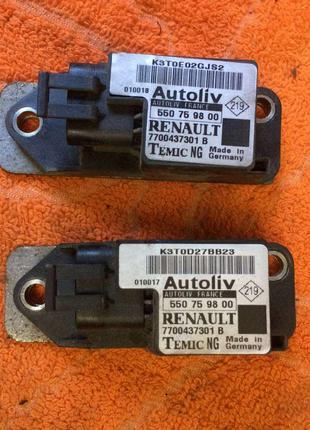 Б/у датчик удара 7700437301B Renault Scenic 1,Рено Сценик 1,