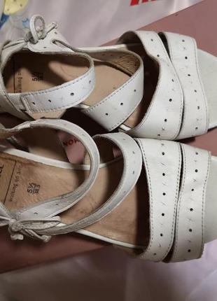 Босоножки натуральные кожаные caprise, шлепки, туфли, босоножк...