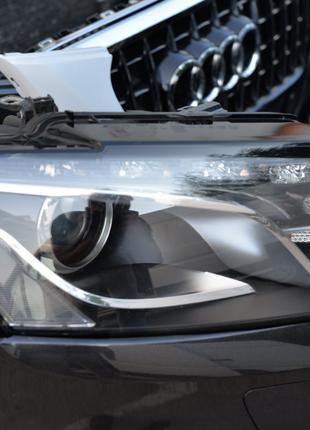 Фара передняя левая правая галоген ксенон LED на Audi Q5 8R 8R0