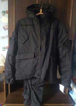 Демисезонный мужской костюм( куртка и брюки)