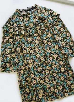 Нежное легкое платье в цветы с ободками от zara