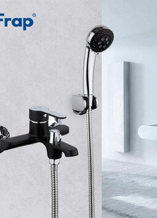 Латунный смеситель в ванную