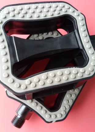 Велосипедные педали FPD (прочный пластик, новые)
