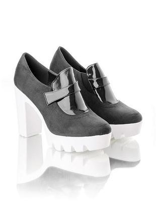 Стильные туфли с тракторной подошвой