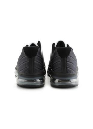 Черно-белые мужские кроссовки