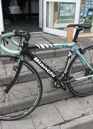 Шоссейный велосипед - Bianchi 3D рама Carbon, идеал -очень дешево
