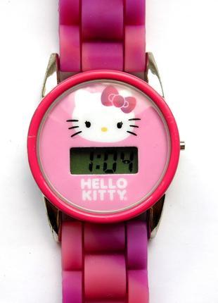 Hello kitty детские часы оригинал от sanrio силиконовый ремешок