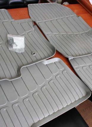 Новый комплект оригинальных резиновых ковриков PRADO 120-150 ,...