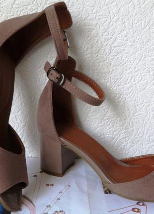 Goldi! Нежные летние женские туфли босоножки каблук 6,5 см замша
