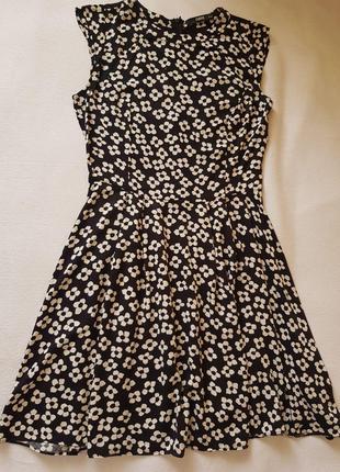 Симпатичное платье со вставкой на спинке из  натуральной ткани