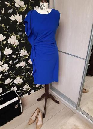 Сапфировое нарядное платье, красивый силуэт, синее вечернее