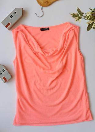 Рожева літня футболка з вирізом. розовая летняя женская футбол...