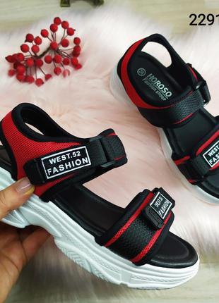 Женские спортивные босоножки сандалии на платформе, черно красные