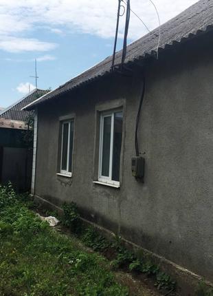 Продам крепкий дом на участке 9 соток в с.Великодолинское!